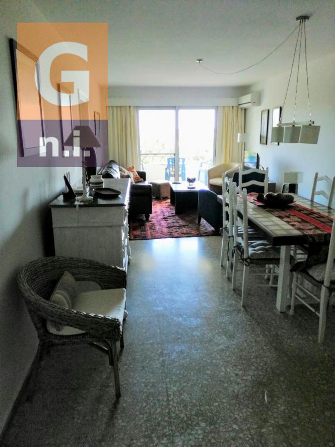 Apartamento en Punta del Este (Playa Mansa) Ref. 4823