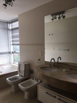 Apartamento en Punta del Este (Playa Mansa) Ref-4747