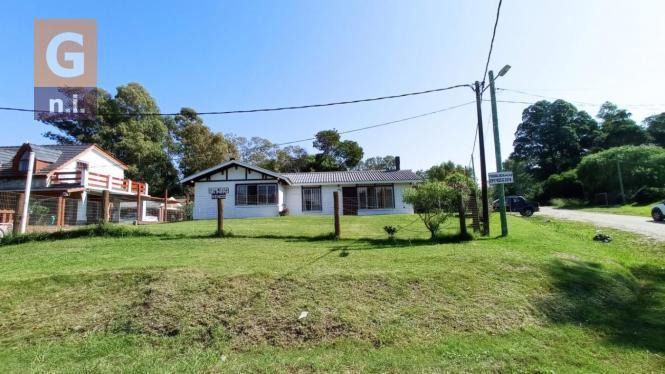 Casa en Piriápolis (Playa Hermosa) - Ref. 4655