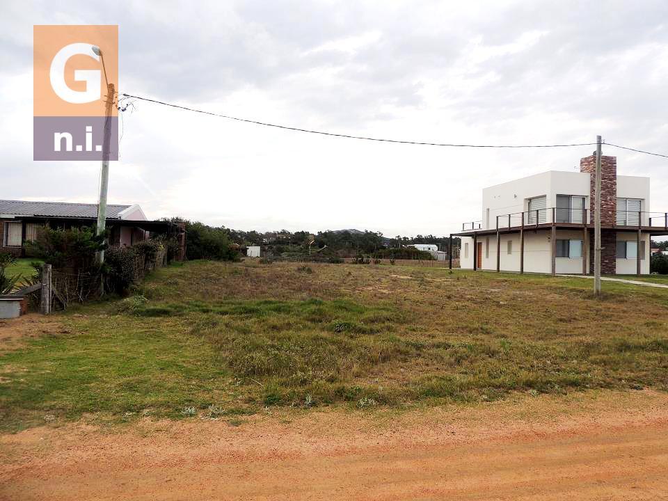 Terreno en Piriápolis (Punta Negra)